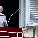 Слово Папы Франциска перед чтением молитвы «Царица Небесная» в торжество Сошествия Святого Духа (Пятидесятницы). 23 мая 2021 г., площадь Святого Петра