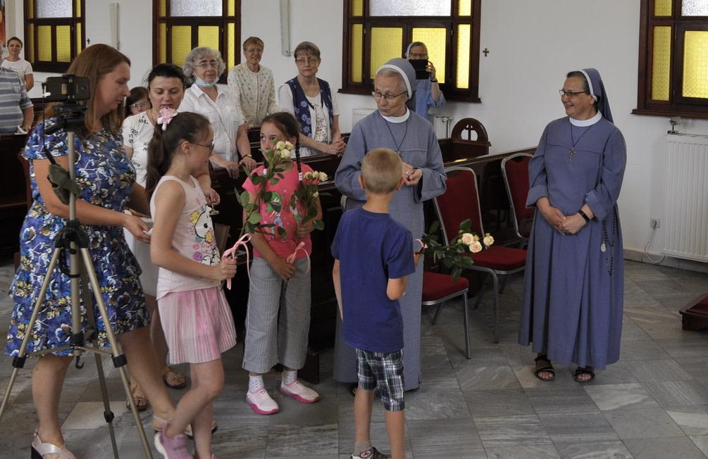 Торжество Пресвятой Троицы и приветствие сестёр Марты и Эдиты 6