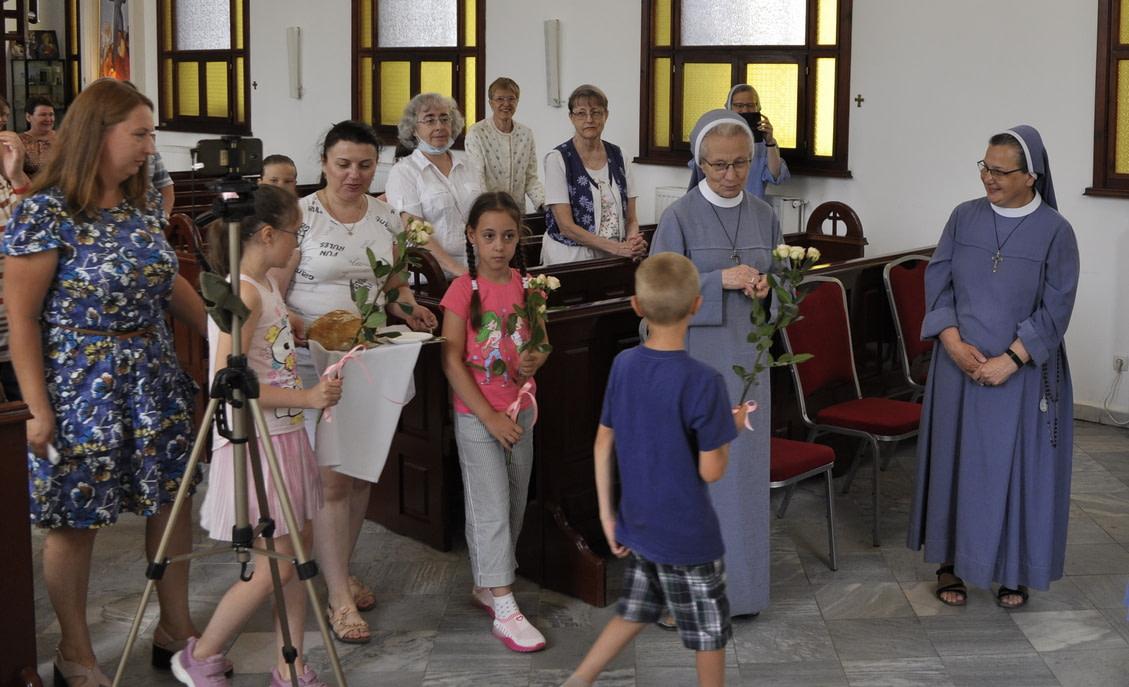 Торжество Пресвятой Троицы и приветствие сестёр Марты и Эдиты 5