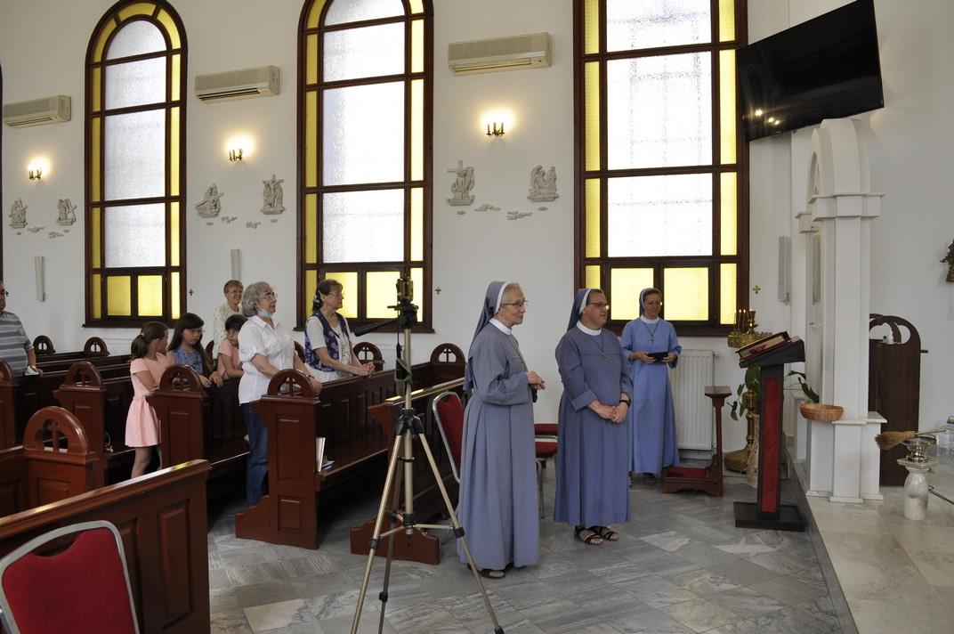 Торжество Пресвятой Троицы и приветствие сестёр Марты и Эдиты 3