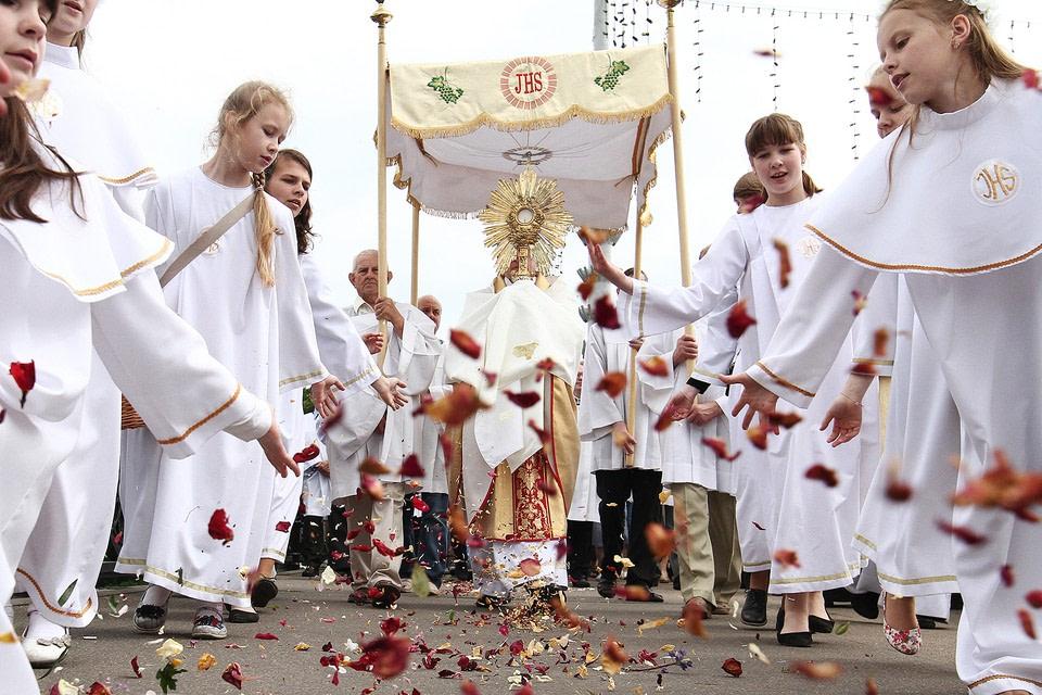 Праздник-Тела-и-Крови-Христовой-в-Швеции