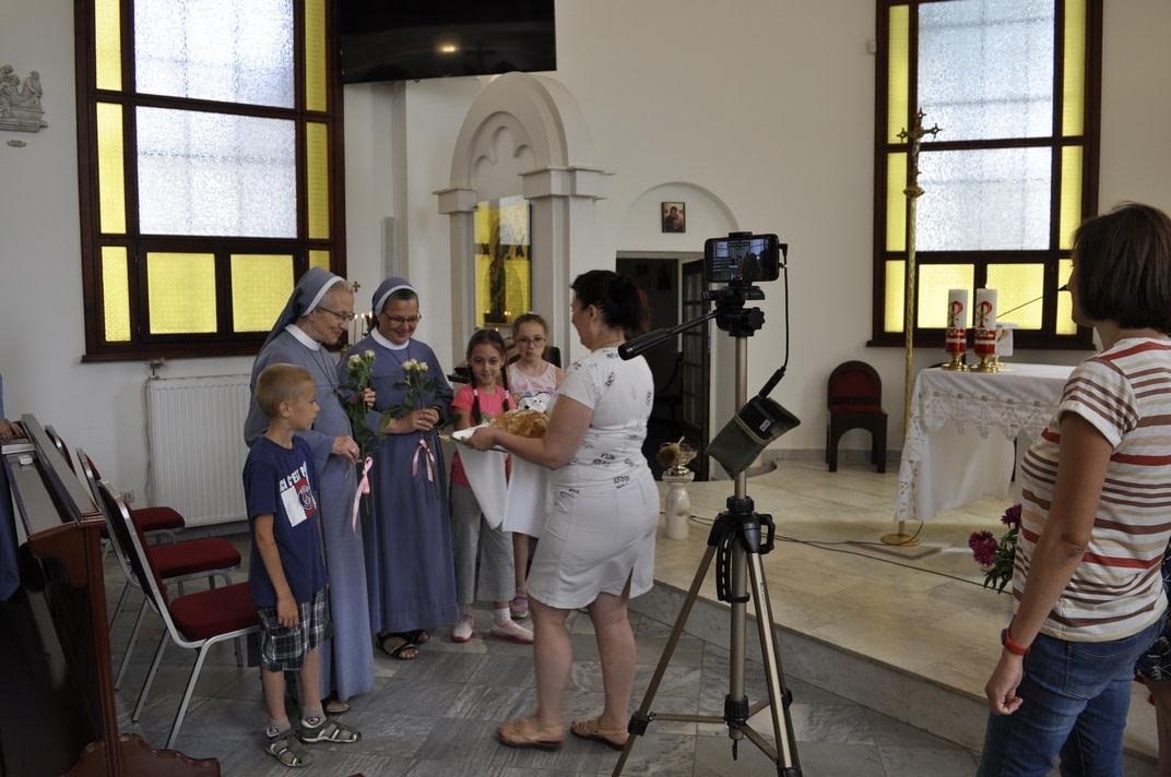 Торжество Пресвятой Троицы и приветствие сестёр Марты и Эдиты 8