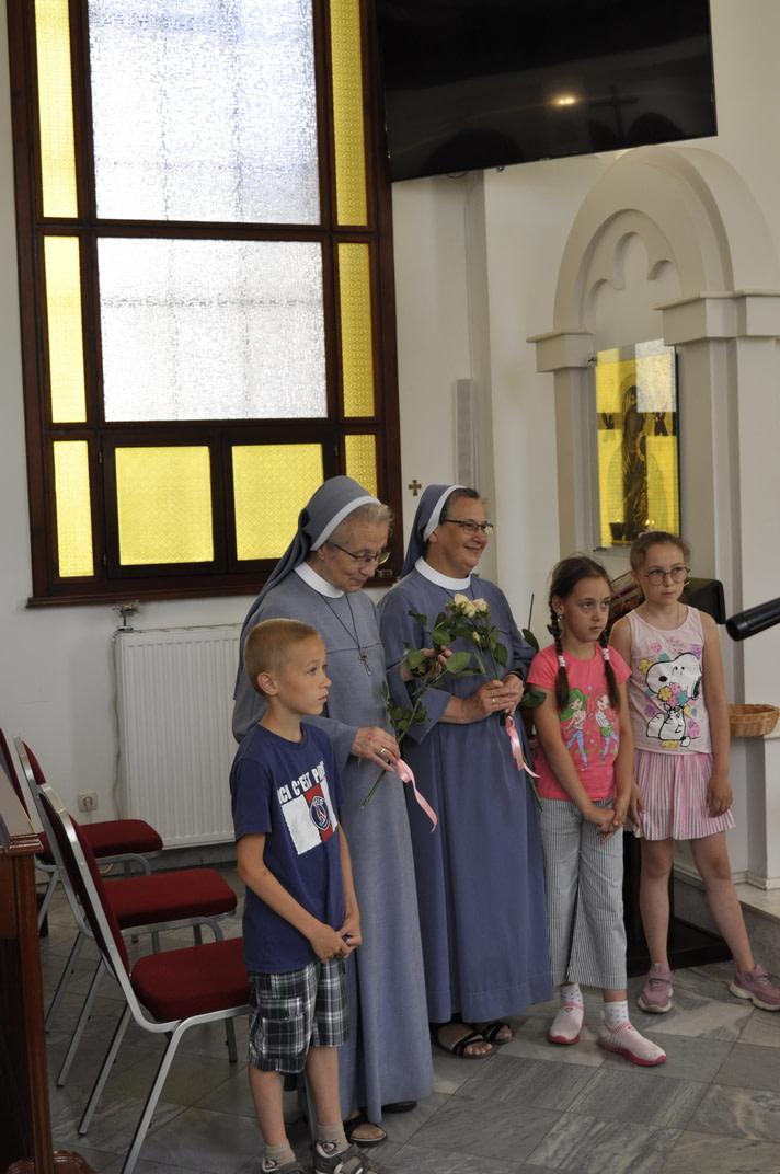 Торжество Пресвятой Троицы и приветствие сестёр Марты и Эдиты 7