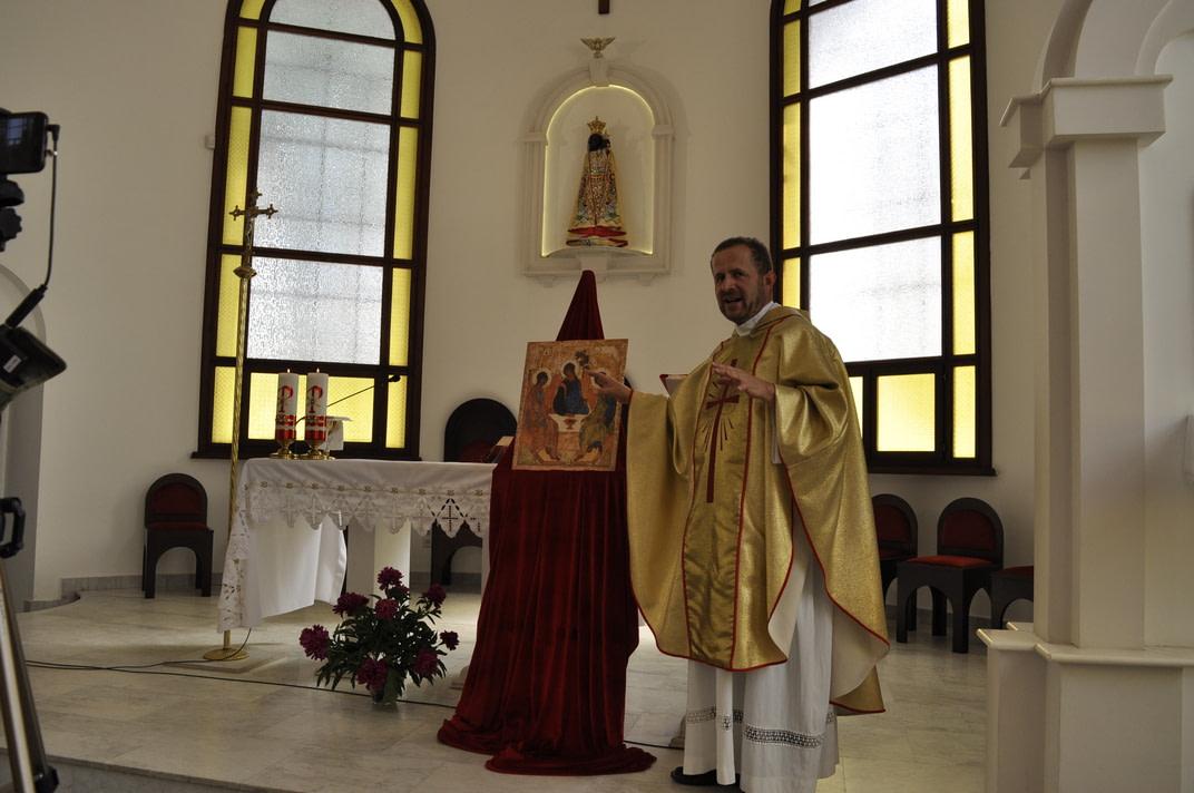 Торжество Пресвятой Троицы и приветствие сестёр Марты и Эдиты 12